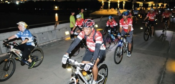Singapore Lion City Night Cycling Tour