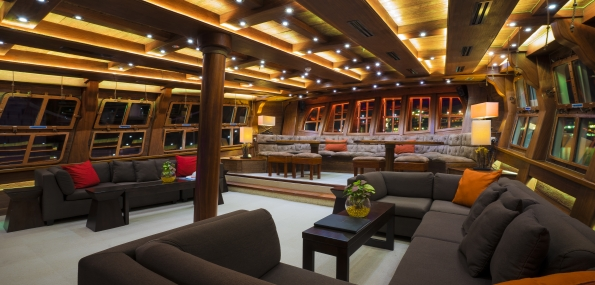 Sunset Sail onboard The Royal Albatross + Dinner (Adult) - New May 2017